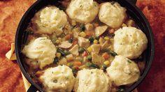 Chaque année, à l'Action de grâces, c'est la même histoire–que faire des restes de dinde. C'est simple!  Célébrez l'Action de grâces une deuxième fois en combinant la dinde avec de la purée de pommes de terre à l'ail et des légumes!