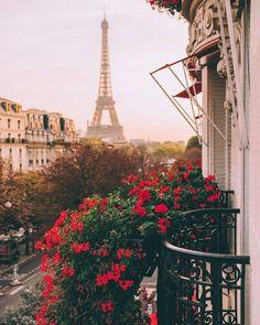 Paris Torre Eiffel Paris, Tour Eiffel, Paris Eiffel Tower, Places To Travel, Places To Go, Travel Destinations, France Destinations, Paris Photography, Travel Photography