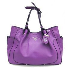 Prada Tote on Pinterest | Prada Handbags, Prada Bag and Prada Outlet