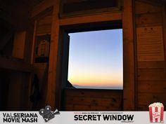 """Il protagonista del cupo thriller Secret Window, interpretato da Johnny Depp, è uno scrittore di racconti horror trasferitosi in una casetta di legno in cerca di nuova ispirazione. Nel finale la """"finestra segreta"""" citata nel titolo rivelerà un inquietante verità. Al contrario, la finestra qui immortalata da Annalisa Percassi, regala la serena quiete di un paesaggio mozzafiato: quello visibile dal Bivacco """"Città di Clusone"""" situato sulla Presolana. #secretwindow #JohnnyDepp Johnny Depp, Thriller, Windows, Movie, Film, Cinema, Films, Ramen, Window"""