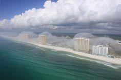 http://gigazine.net/news/20120213-florida-cloud-tsunami/