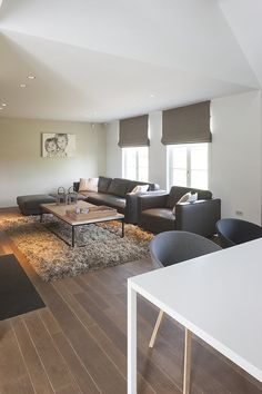 Awesome Living Room Ideas are available on our website. Read more and you wont be sorry you did. Living Room Sofa Design, Home Living Room, Living Room Designs, Living Room Decor, Sweet Home, Small House Decorating, Home Decor Furniture, Stores, New Homes