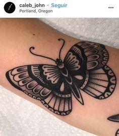 Borboleta old School preta tattoo – - diy tattoo images Trendy Tattoos, Cute Tattoos, Beautiful Tattoos, Small Tattoos, Tattoos For Women, Botanisches Tattoo, Home Tattoo, Piercing Tattoo, Piercings