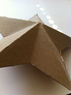 Continuing my obsession with reusing packaging I found this little idea over on grey luster girl . Image: grey luster girl All you n. Cardboard Crafts, Paper Crafts, Cardboard Boxes, Diy Paper, Paper Art, Holiday Crafts, Home Crafts, Decor Crafts, Art Decor