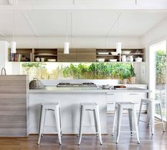 Redesigning Your Kitchen Area: Choosing Your New Kitchen Counter Tops – Outdoor Kitchen Designs Country Style Kitchen, Cozy Decor, White Kitchen, White Kitchen Decor, Master Decor, Home Decor, Kitchen Benches, Kitchen Styling, Outdoor Kitchen Countertops