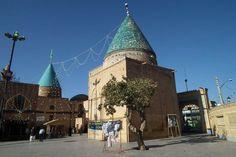 Bayazid Shrine.Bâyezid-î Bistâmî ya da Tayfur Ebû Yezîd el-Bûstâmî (d.804, Bistam - ö. 874 - 877/878), Fars İslam alimi ve Filozof. İran'ın Semnan Eyaleti'nde bulunan Bistam şehrinde 804 yılında doğmuştur. Künyesi, Ebû Yezîd'dir. İsmi Tayfûr, babasının adı Îsâ'dır. Kabri yine Bistam'da bulunmaktadır. Dedesi İslâmiyeti sonradan kabul etmiş olan bir Zerdüşt idi. Dedesinin Adam, Tayfur ve Ali isminde üç oğlu vardı. Hepsi de zühd (zâhid) hayâtı yaşamayı seçmiş kişiler olarak tanınıyorlardı.