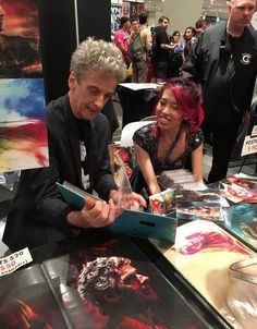 Peter thrilled Alice X Zhang by visiting her at Artist's Alley, NYCC