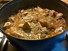 Stoofschotel met kalfsstoofvlees en champignons