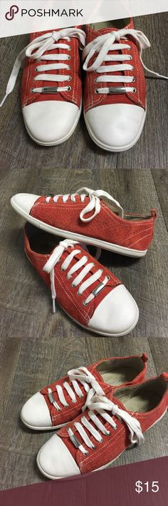 Merona leather shoes. Merona coral lace up shoes for women. Size 6 Merona Shoes Sneakers