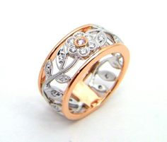 A ring worthy of a mermaid's jewelry chest