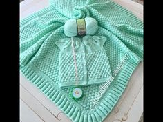 Baby Blankets with Bonbon Candy Knitting Model Baby Knitting Patterns, Knitting For Kids, Crochet Heart Blanket, Granny Square Crochet Pattern, Baby Pullover, Knitted Afghans, Baby Girl Blankets, Newborn Crochet, Baby Sweaters