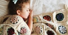 joyful four: Vintage Granny Puff Flower Blanket