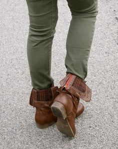 Green pants and cute boots