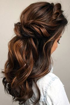 Super wedding hairstyles brown half up curls ideas Super trouwkapsels bruine half-up krullen ideeën Wedding Hair Half, Wedding Hairstyles Half Up Half Down, Wedding Hair And Makeup, Wedding Hair Brunette, Half Up Half Down Bridal Hair, Brunette Wedding Hairstyles, Wedding Ceremony, Long Bridal Hair, Vintage Bridal Hair