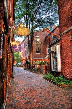 Commercial Alley splits Penhallow St. and Market Street in downtown Portsmouth, NH