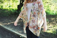 Feel fancy in your DIY kimono aka the perfect light fall layer.