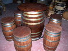 Tavolo e sgabelli da botti - Barrels table and stools - +39 0547 310171