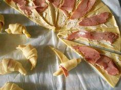 Mini croissant jambon/fromage – La Cuisine de Bulle Mini Croissants, Hors D'oeuvres, Hawaiian Pizza, Brunch Recipes, Entrees, Picnic, Tacos, Food And Drink, Menu