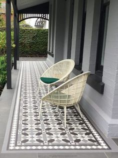 Some front porch inspiration - next job to tile the front po Terrace House Exterior, White Exterior Houses, Terrace Floor, Exterior Tiles, Facade House, Balcony Tiles, Patio Tiles, Outdoor Tiles, Porch Tile