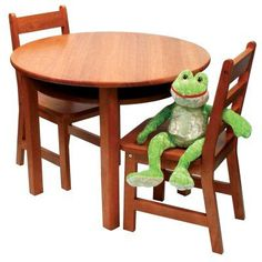 Lipper Childrens Round Table and Chair Set - 524P