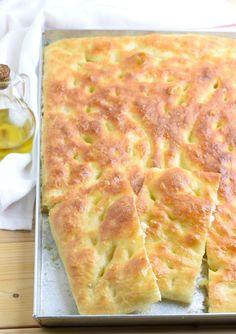 Focaccia genovese fatta in causa Focaccia Pizza, Bread Dough Recipe, Dinner Rolls, Pizza Dough, Finger Foods, Italian Recipes, Baked Goods, Food Porn, Brunch
