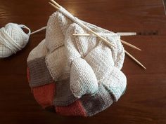 Knitting Designs, Knitting Projects, Knitting Patterns, Crochet Ornaments, Crochet Purses, Knit Or Crochet, Knitted Bags, Handmade Bags, Sewing Tutorials