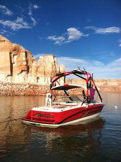 Wakeboard Boat Bayliner Wake Challenge