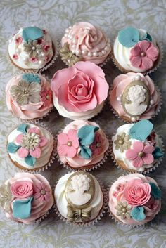 Marie Antoinette Cupcakes. OMG. YES for my next 10 birthdays!!!!
