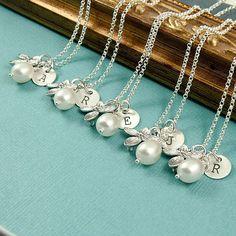 Cute bridesmaid gifts for a wedding  #bridesmaid #wedding #pearls