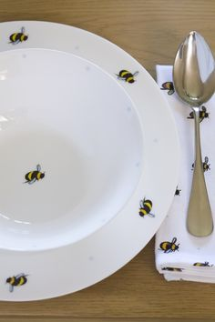 Bee Place Setting