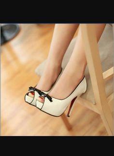 Divino Shoes www.ScarlettAvery.com
