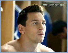 Leo Messi em comercial H&S