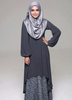 Grey tunic shirt, printed grey skirt, silver scarf
