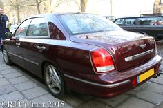 2000 Hyundai Grandeur XG30, Avenue Drivers Club, Queen Square, Bristol.