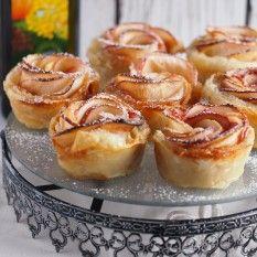 Róże jabłkowe z karmelem French Toast, Cheesecake, Cupcakes, Sweets, Breakfast, Food, Morning Coffee, Cupcake Cakes, Gummi Candy