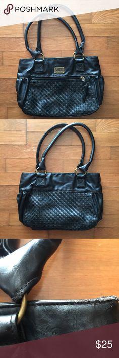 4b9f167719 Vans Black Handbag 🖤 Great bag Great Condition Nice Faux Leather 🖤 Vans Bags  Shoulder Bags