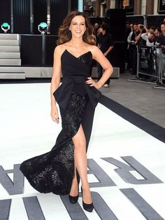 Kate Beckinsale in Donna Karan.. GORGEOUS gown!