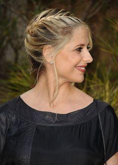 A lovely updo on Sarah Michelle Gellar. #hair #beauty #braid #updo