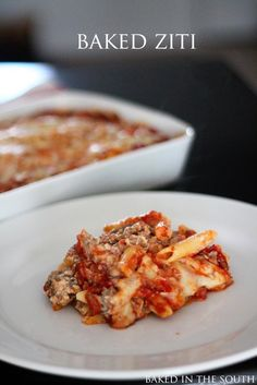 5.0 from 1 reviews Pioneer Woman's Baked Ziti  Print Ingredients 1 pound Italian Sausage 1 pound Ground Beef 2 Tablespoons Olive Oil 3 cloves Garlic, Minced 1 whole Large Onion, Diced 1 can (28 Ounce Can) Whole Tomatoes, With Juice 2 cans (14.5 Ounce) Tomato Sauce Or Marinara Sauce 2 teaspoons Italian …