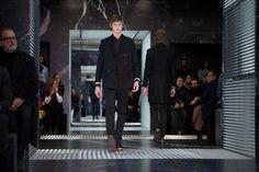"Prada Launches FW2015 Menswear in OMA/AMO's ""Infinite Palace"""