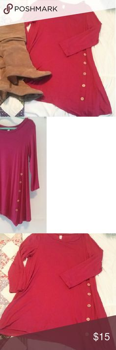 Top Pink quarter length sleeve top. Never worn. Would look great with skinny jeans and boots! Even wedges look awesome with this top. Emerald  Tops Tunics