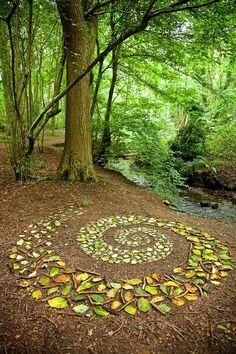 Land Art, Outdoor Art, Outdoor Gardens, Outdoor Decor, Forest Art, Magical Forest, Environmental Art, Nature Crafts, Stone Art