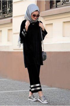 Abaya Style 684828687060571964 - Seda Tiryaki – Alya Takım – Siyah Source by waydieismail Pakistani Fashion Casual, Modern Hijab Fashion, Pakistani Dresses Casual, Casual Hijab Outfit, Islamic Fashion, Hijab Dress, Abaya Fashion, Muslim Fashion, Modest Fashion