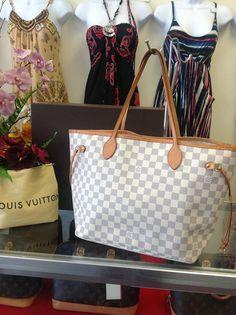 100% Guaranteed Authentic Louis Vuitton Neverfull MM Damier Azur