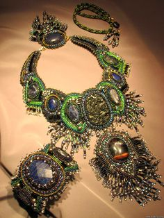 Amazing embroidered jewellery by Orubis   Beads Magic