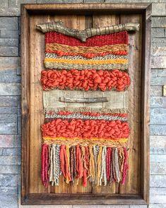 🏷45x70 cm $65.000 envío en Chile incluido (recargo extremos) 📩 Contáctanos por Facebook o wsp +56989099094 #telar #hechoenchile… Weaving Textiles, Weaving Art, Loom Weaving, Tapestry Weaving, Hand Weaving, Yarn Crafts, Sewing Crafts, Crochet Feather, Yarn Wall Art