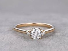 You can buy personalized jewelry with diamond and gemstones online from Engagement Rings category via GLAMIRA. High quality diamond engagement rings and wedding rings! Engagement Ring Rose Gold, Solitaire Engagement, Vintage Engagement Rings, 3 Stone Engagement Rings, Vintage Rings, Engagement Ring Simple, Inexpensive Engagement Rings, Traditional Engagement Rings, Top Vintage