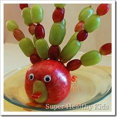 Haha! A Turkey; how cute! A good kids thanksgiving snack craft!