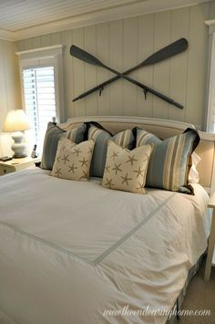 Perfect paddles above headboard
