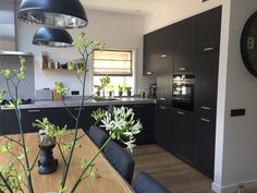 See related links to what you are looking for. Kitchen Interior, Kitchen Decor, Kitchen Design, Eat In Kitchen, Home Kitchens, Sweet Home, Kitchen Cabinets, House Design, Interior Design